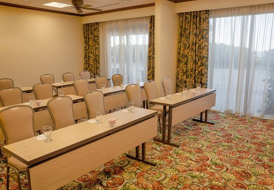 Jensen Beach, Флорида: Oceanfront Meeting Room    Classroom Setup