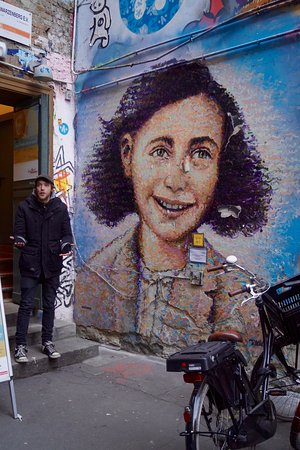 Alternative Berlin Tours: Dave tells us about Jimmy C's beautiful portrait of Anne Frank.