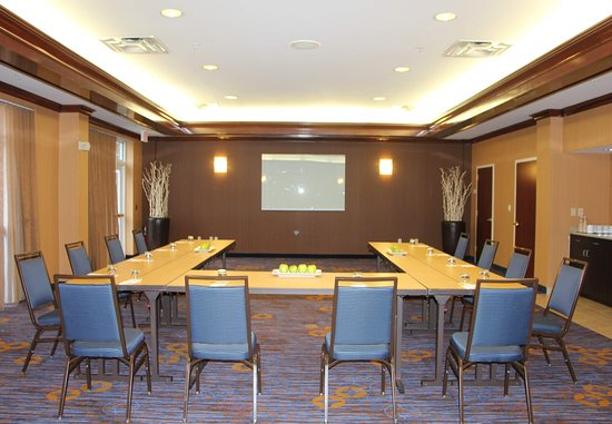 Basking Ridge, NJ: Meeting Room    U-Shape Setup