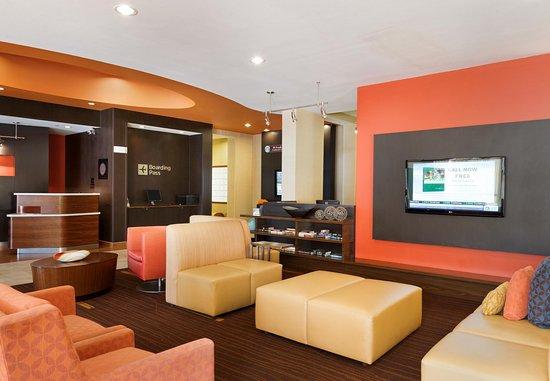 Peoria, IL: Lobby Seating Area