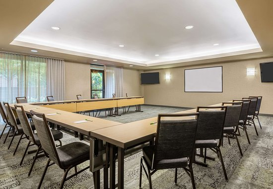 Danbury, CT: Still River Meeting Room U-Shape Set-Up