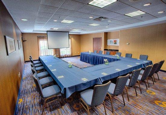 Moorhead, MN: Great Plains Room - U-Shape Setup