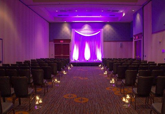 Moorhead, MN: Salon - Ceremony