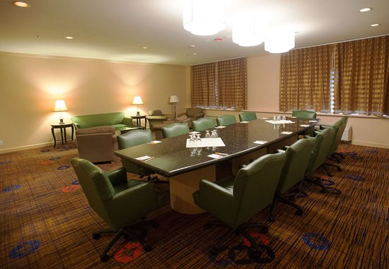 Baldwin Park, CA: Executive Boardroom