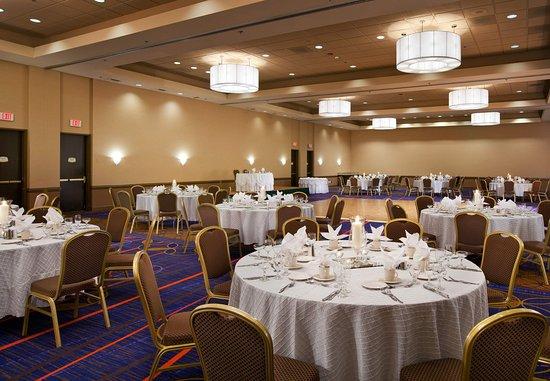 Baldwin Park, CA: Sierra Madre Ballroom - Banquet Setup