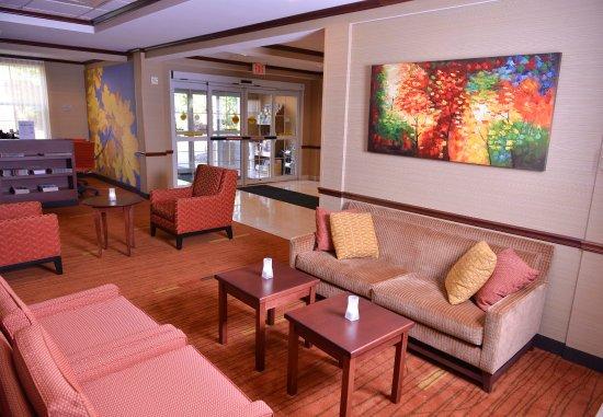 Middlebury, VT: Lobby    Sitting Area