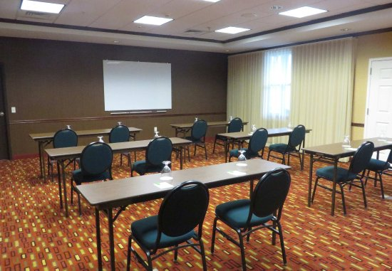 Middlebury, VT: Champlain Meeting Room - Classroom Setup