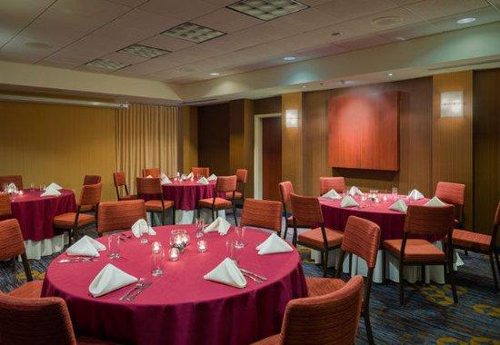 Ewing, نيو جيرسي: Banquet Facility
