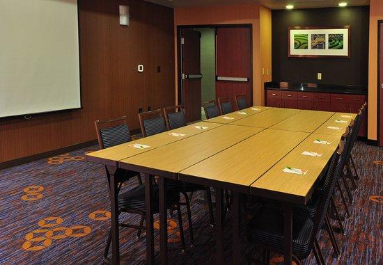 Kingston, NY: Meeting Room    Boardroom Setup