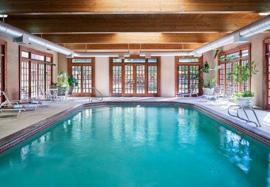 Courtyard Albuquerque: Indoor Pool