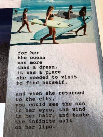 Thirroul, Australia: Bathroom poetry