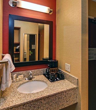 Springfield, Oregón: King Spa Bathroom