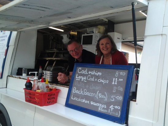 Champsac, France: guest chef, Karen and Andrew, Dordogne chippy
