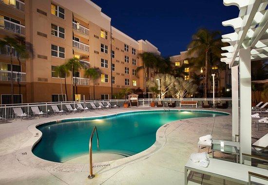 Courtyard Miami Aventura Mall: Our Aventura, Florida hotel's Outdoor Pool