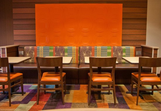 Salida, CA: Dining Area