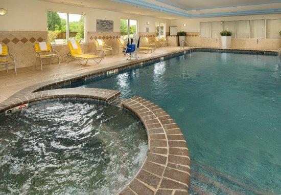 Marshall, TX: Indoor Pool & Whirlpool Spa