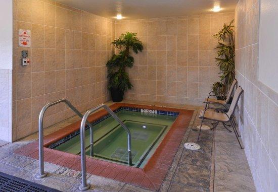 Elk Grove, Californië: Indoor Hot Tub
