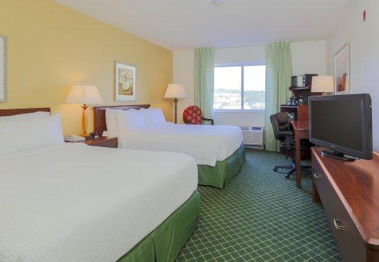 Uniontown, PA: Queen/Queen Guest Room