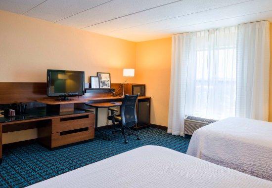 Laurel, MD: Executive Queen/Queen Guest Room