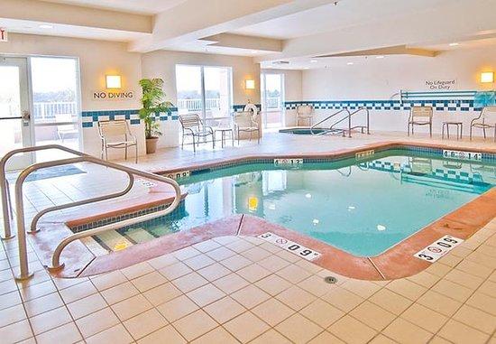 Edmond, OK : Indoor Pool & Spa