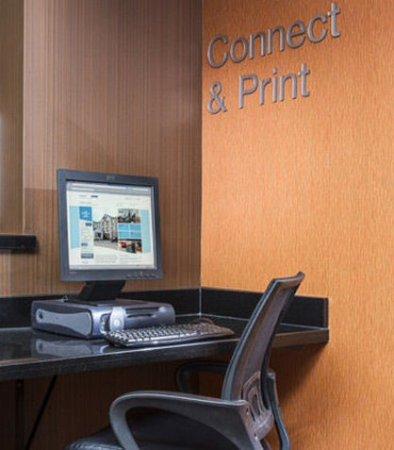 กรีลีย์, โคโลราโด: Business Center
