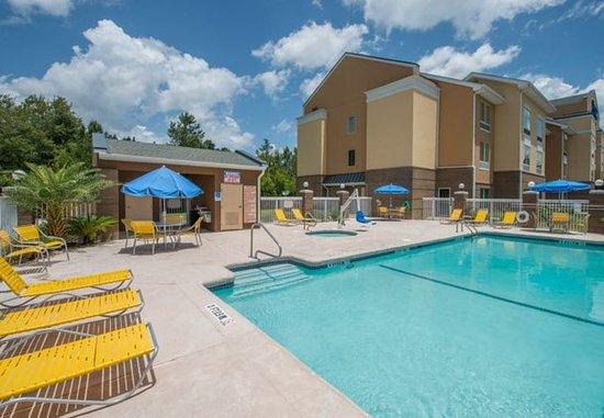 Hinesville, GA: Outdoor Pool