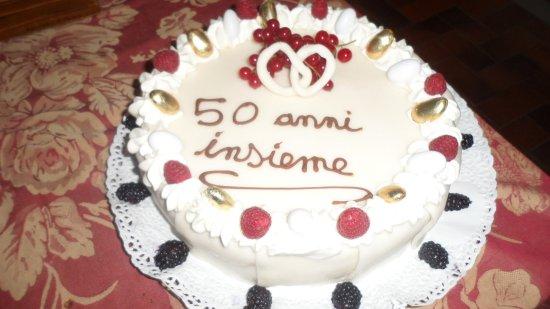 Cremolino, Italia: torta standard
