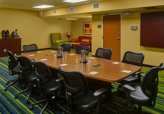 Fairfield Inn & Suites Seattle Bellevue/Redmond: Boardroom