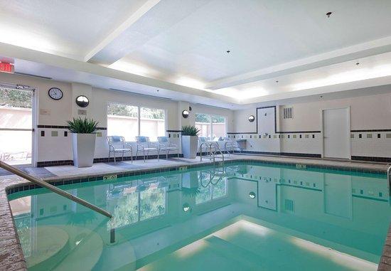 Sulphur, LA: Indoor Pool