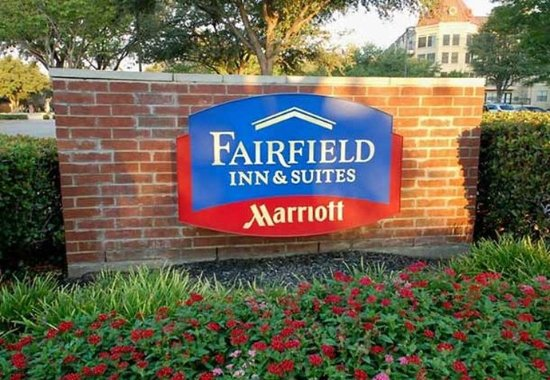 Fairfield Inn & Suites Dallas North by the Galleria : Entrance