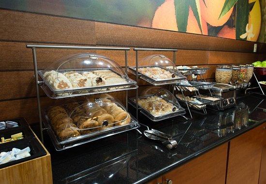 Orangeburg, SC: Breakfast Buffet - Pastries