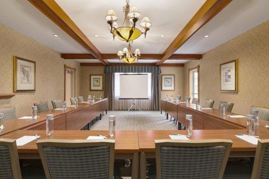 Brisbane, CA: U Shape Meeting Room