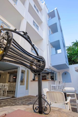 Erato Seaside Hotel