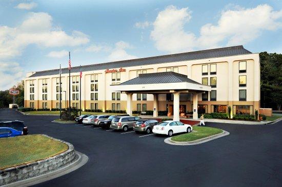 Hampton Inn Atlanta - Cumberland Mall / NW: Exterior