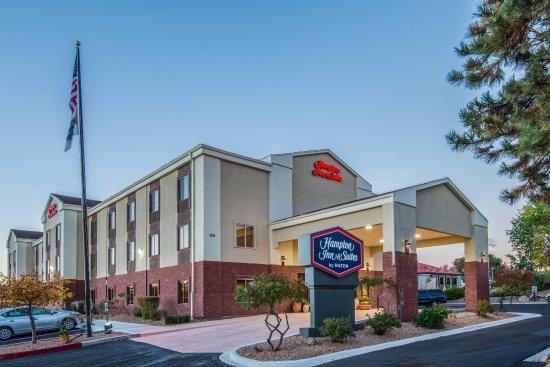 Hampton Inn & Suites Los Alamos: Exterior