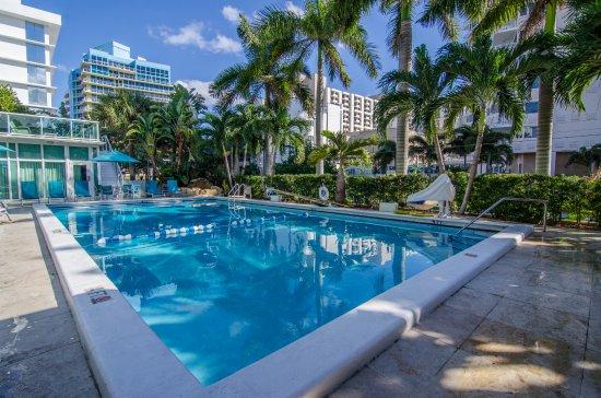Pool - Best Western Plus Oceanside Inn Photo