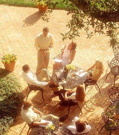 พอยต์เคลียร์, อลาบาม่า: Outdoor Meeting