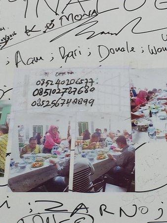 Gorontalo, Indonesia: Menu and phone number to pre order