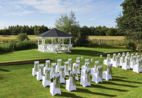 Sprowston, UK: Pagoda    Wedding Ceremony