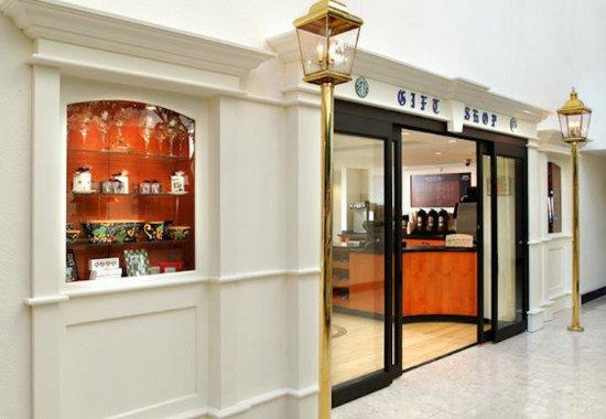 Uniondale, NY: Gift Shop