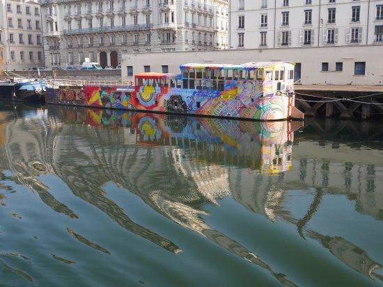 Les Bateaux Lyonnais: Péniche sur la Saône
