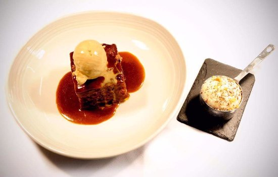 Two Bridges, UK: The sticky toffee pudding, toffee sauce, toffee ice cream, peanut praline