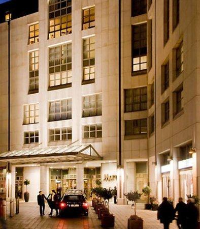 Hamburg Marriott Hotel : Entrance