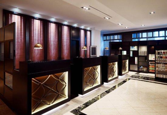 Hamburg Marriott Hotel : Front Desk