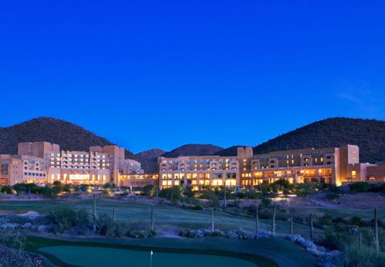 JW Marriott Tucson Starr Pass Resort & Spa : Exterior    Dawn