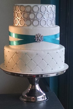 Mount Juliet, TN : Custom Wedding Cake