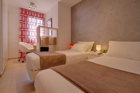 The Rooms Hotel & Residence: Two bedroom apartment: twin bedroom