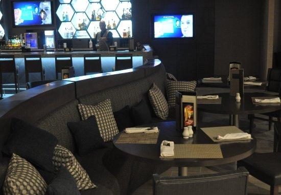 Jake's 58 Hotel & Casino: Bistro 58