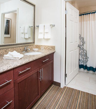 Peoria, AZ: Guest Bathroom