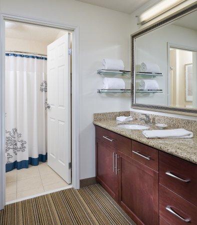 Rancho Cordova, Califórnia: Suite Bathroom